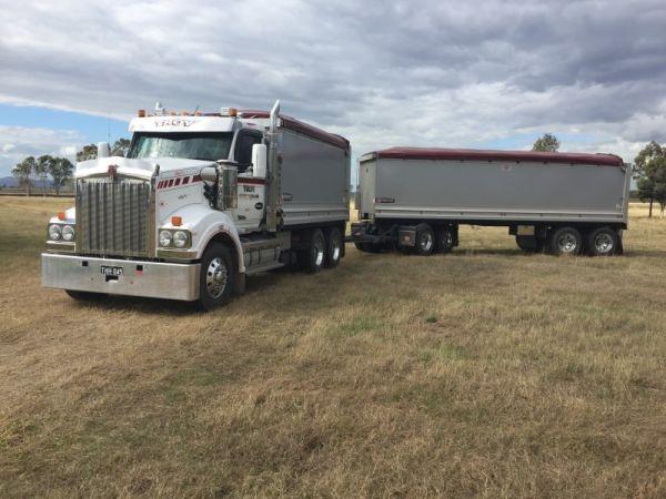 truck-and-dogsC866CAF1-1ED2-FCA2-5ED3-0C83DE3E802E.jpg